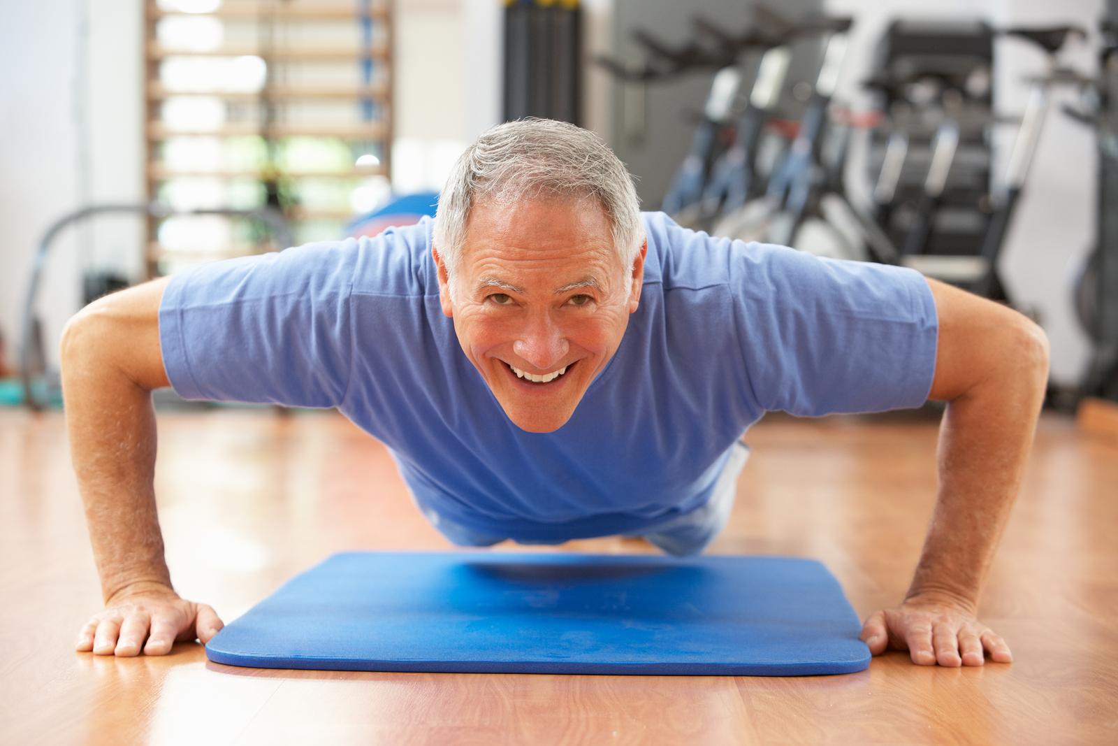 senior doing exercise to prevent signs of Alzheimer's